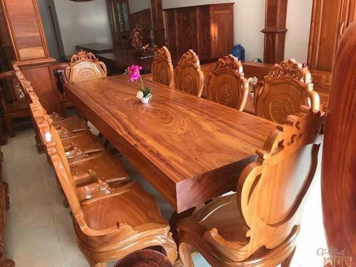 Giữ hạnh phúc gia đình bằng một bộ bàn ăn