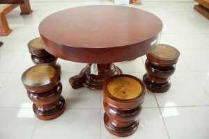 Bộ bàn tròn gỗ cẩm vân chun tuyệt đẹp mới ra lò