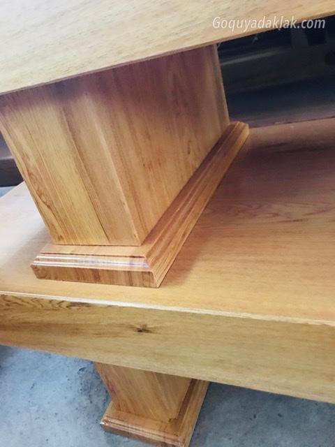 Kệ ti vi gỗ pơmu